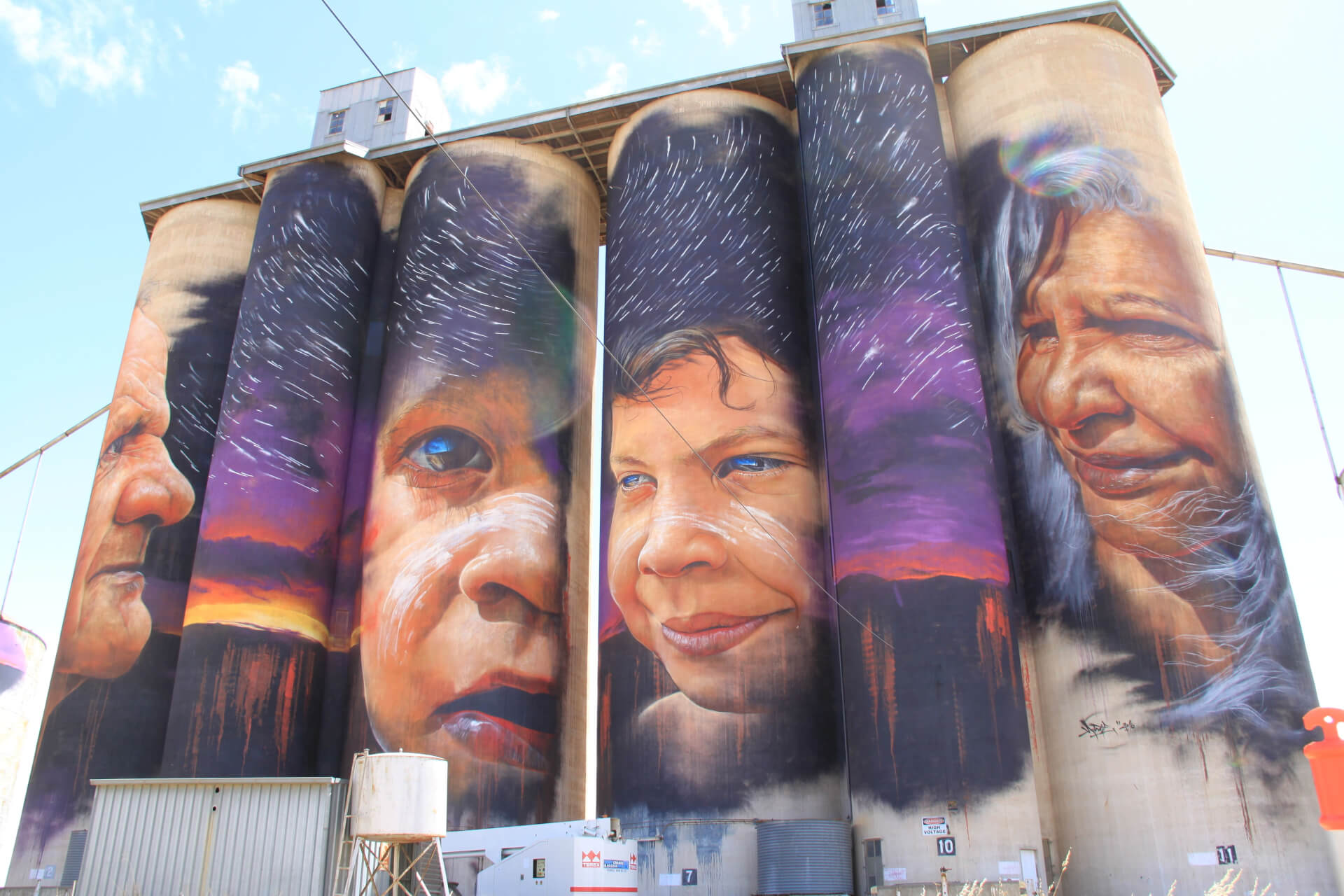 Travel the Silo Art Trail