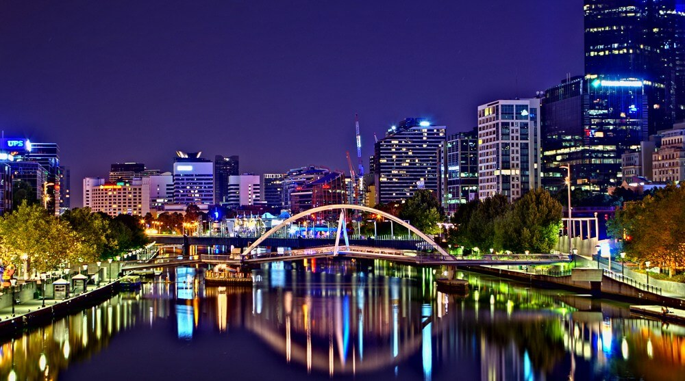 Enjoy Melbourne at night with a private tour guide