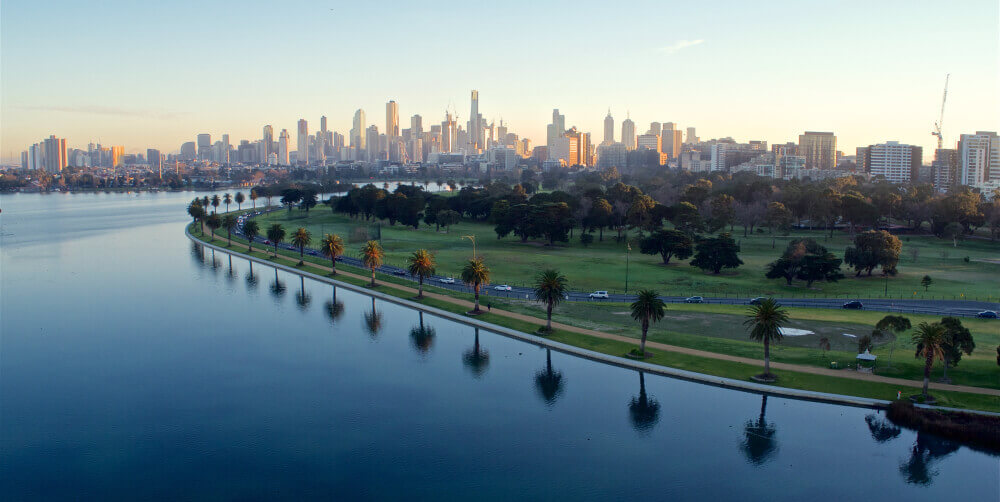 Explore Melbourne and regional Victoria while attending F1 Australia